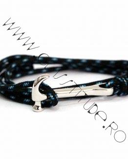 Bratara cu Pandantiv Ciocan Argintiu si Snur Negru-Bleu