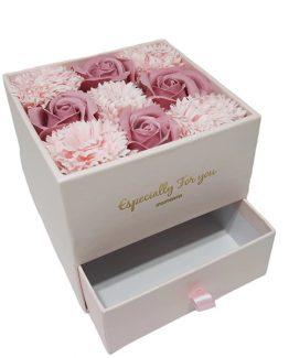 Cutie cadou pentru bijuterii cu 9 flori de sapun Roz Prafuit